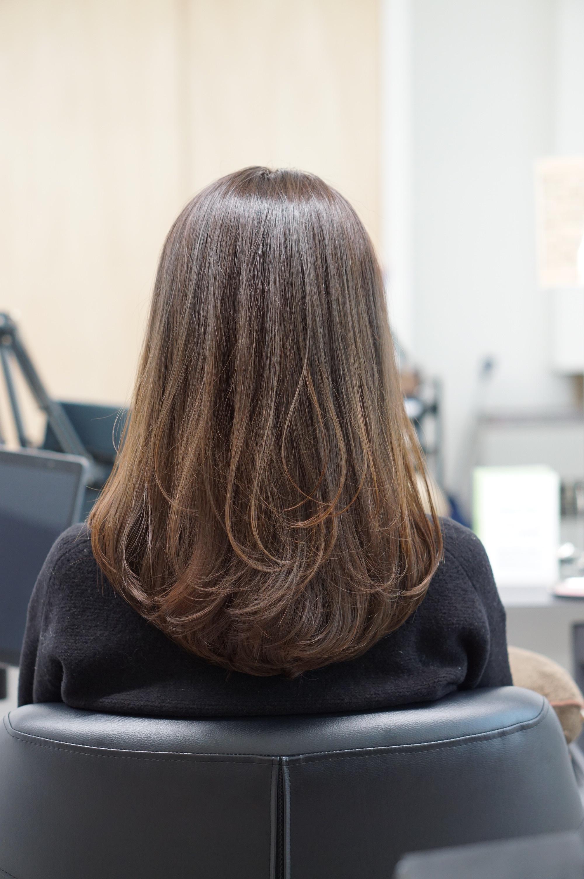 髪が綺麗な女性