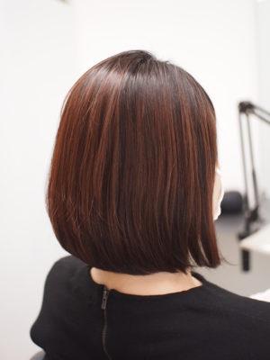 弱酸性縮毛矯正をかけて女性
