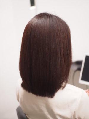 ツヤ髪になった女性
