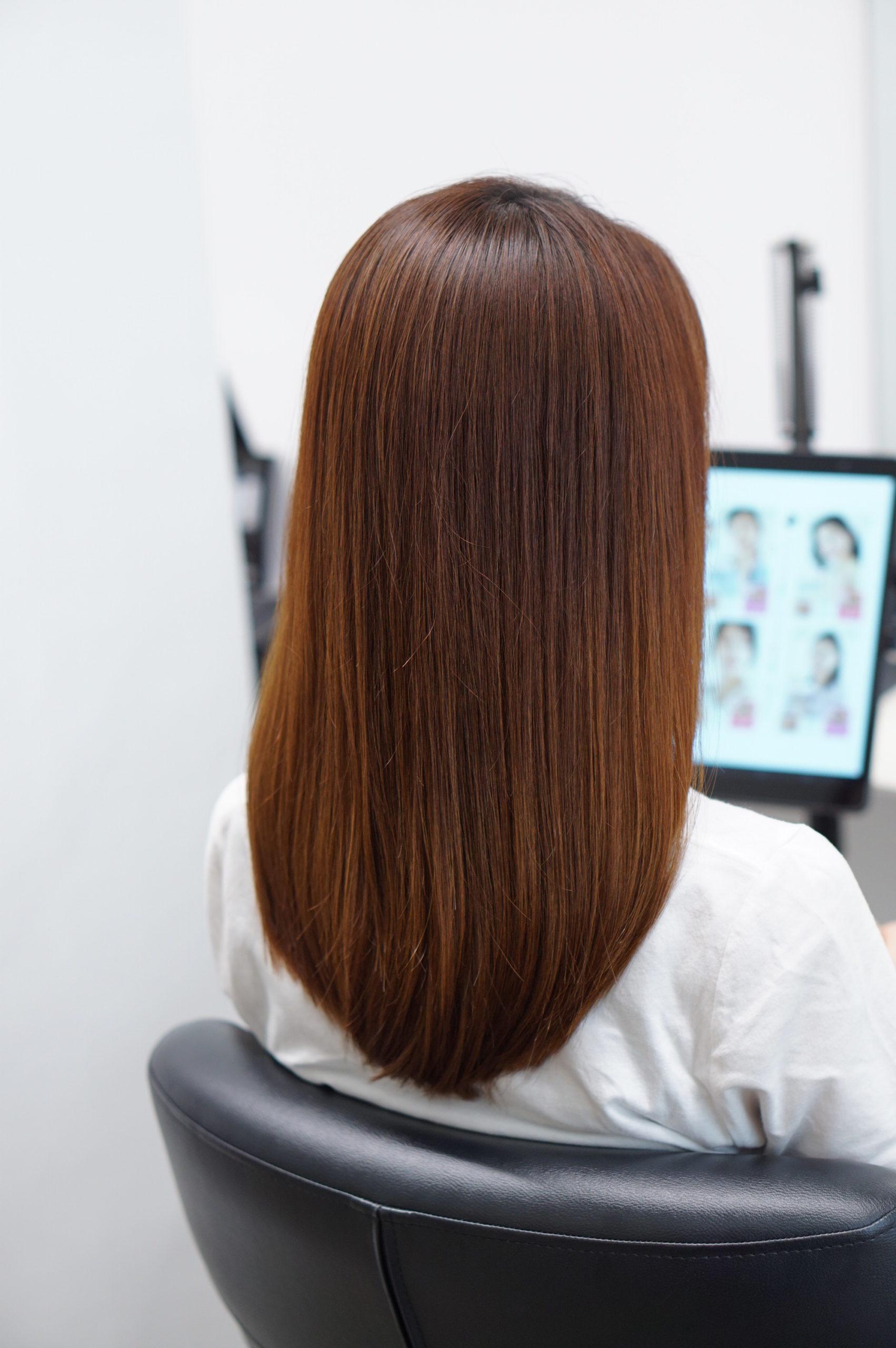 髪がきれいな女性