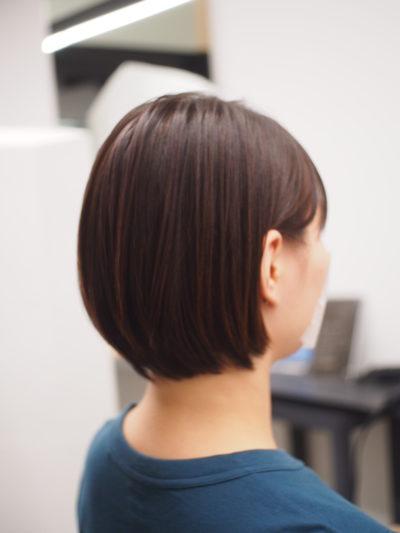 弱酸性縮毛矯正をかけた女性